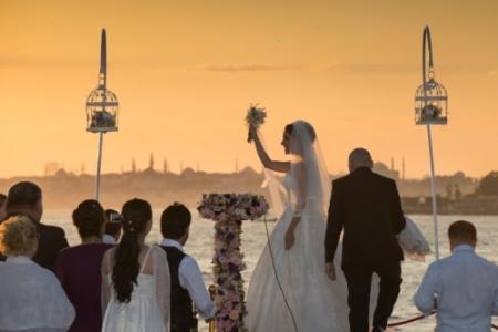 wedding-boat-istanbul